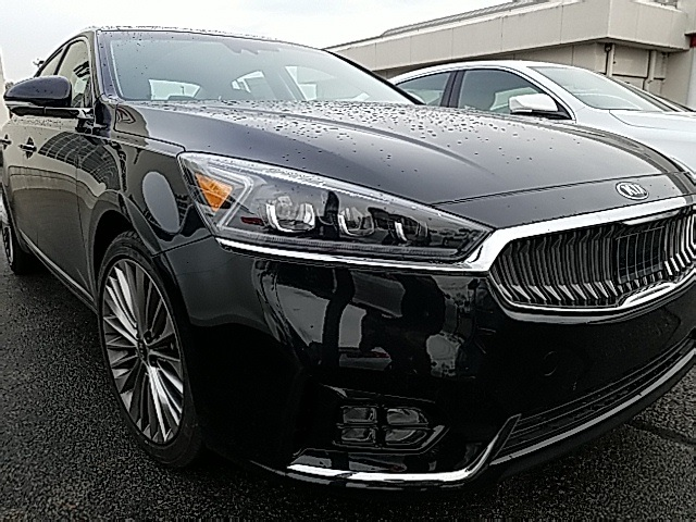 New 2017 Kia Cadenza Limited
