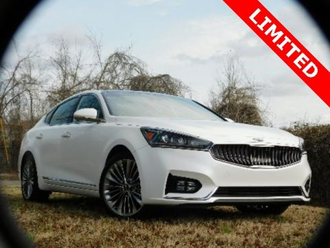 New 2018 Kia Cadenza Limited FWD 4D Sedan