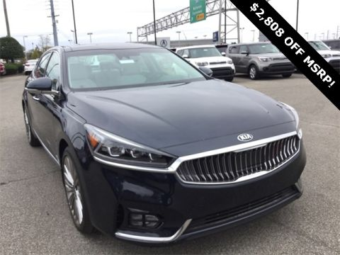 New 2017 Kia Cadenza Limited FWD 4D Sedan